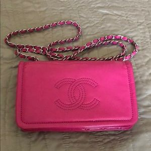 💯 Authentic Chanel flap bag pink patent leather